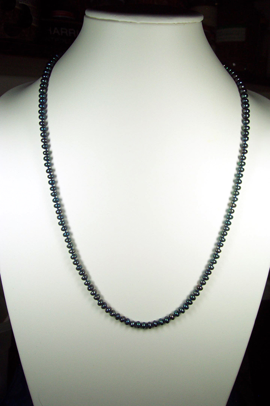 Peacock Pearl Knotted Necklace-Traditional