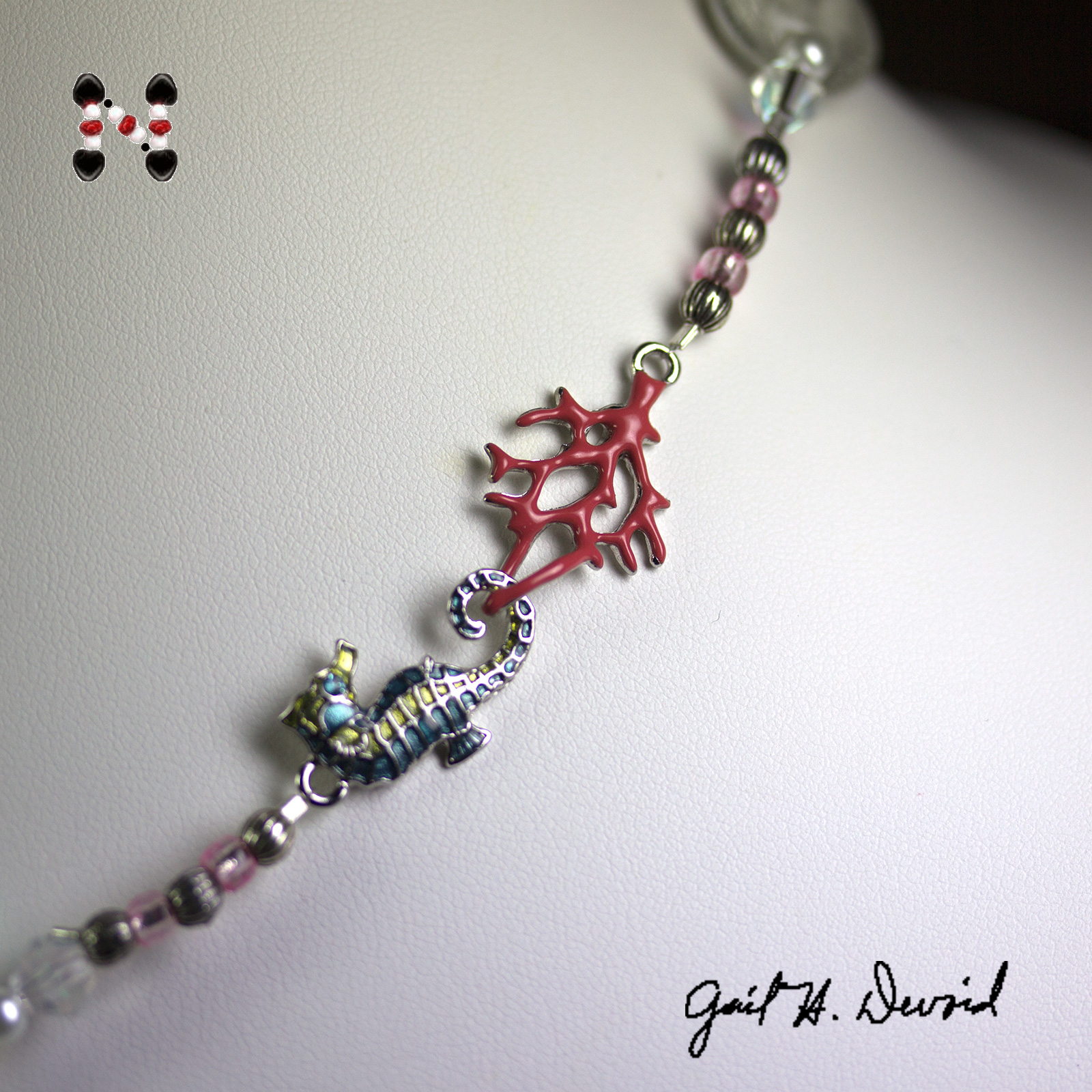 Clasp-Coral and Seahorse