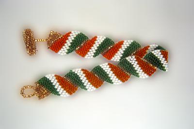 Designer Jewelry - Wavy Flag - Ireland Bracelet Pattern